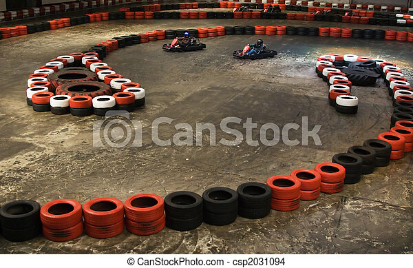 Photo de karting int rieur safety berriers fait de for Karting interieur