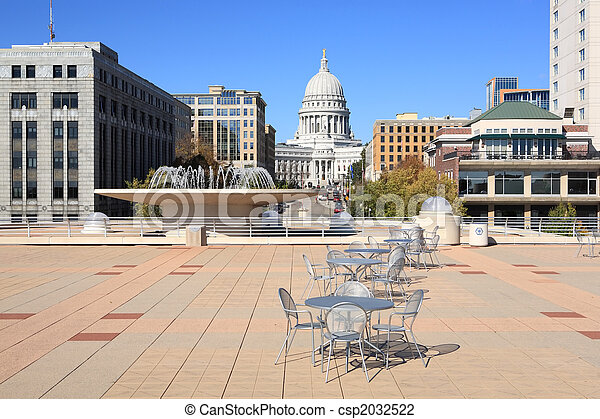 a view of the Wisconsin State Capital from the patio on top of the Monona Terrace.  - csp2032522