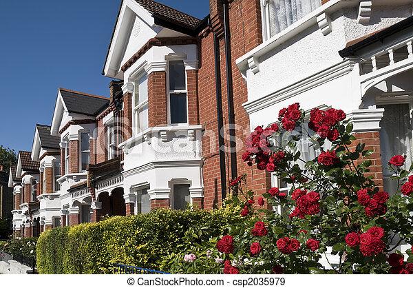 Banque de photographies de maisons anglaise roses rang for Maison anglaise typique plan