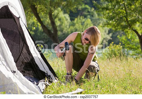 woman camping - csp2037757