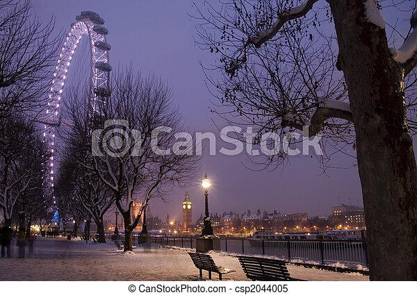 Winter at London. - csp2044005
