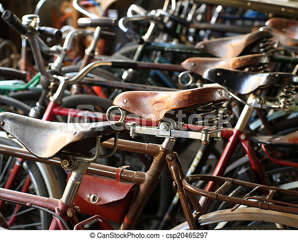 Urban retro bicycle, service - csp20465297