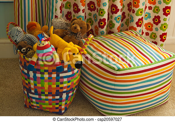 Colorful Basket with Plush Toys, Cu