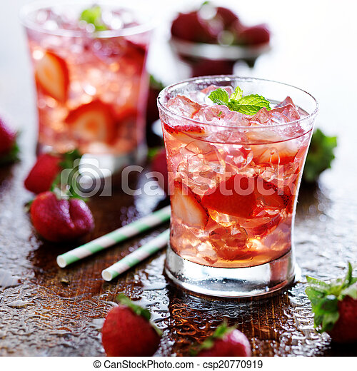 stock fotografie von erdbeer getr nk minze eis cocktail erdbeer cocktail csp20770919. Black Bedroom Furniture Sets. Home Design Ideas