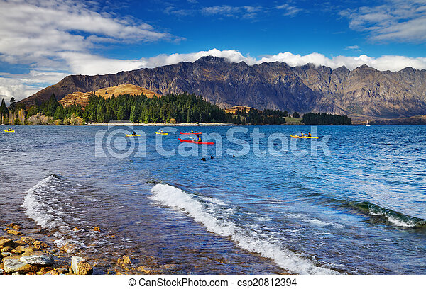 Wakatipu Lake, New Zealand - csp20812394