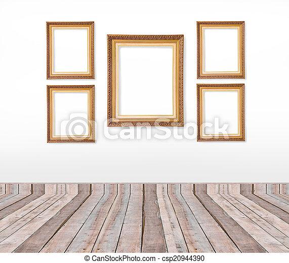 Archivi fotografici di immagine set oro parete for Set cornici da parete