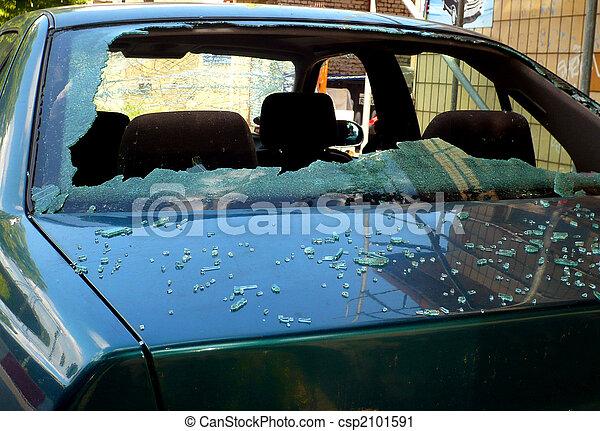 damaged windshield - csp2101591