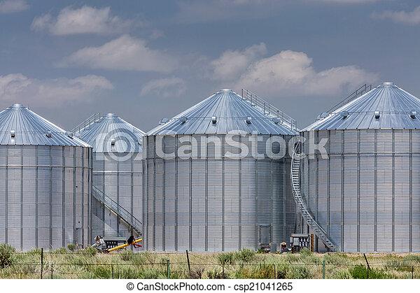 landwirtschaft, lagerung,  Silos - csp21041265