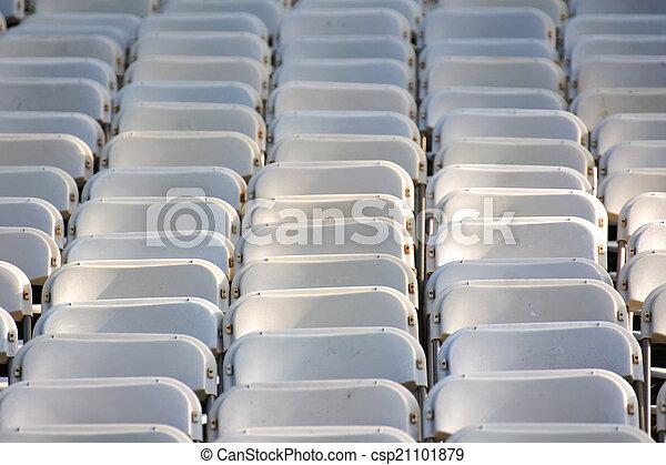 Stuhlreihe clipart  Bilder von stuhlreihen, leerer - Row, auf, reihe, von, leerer ...
