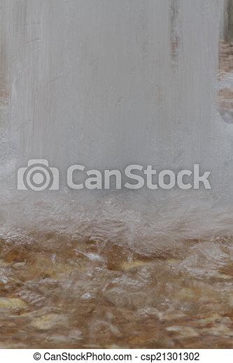 fountain gushing - csp21301302