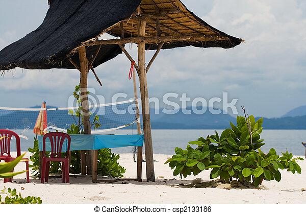 Tropical hut on the beach - csp2133186