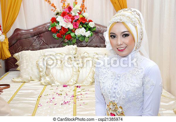 Indonesian bride - csp21385974