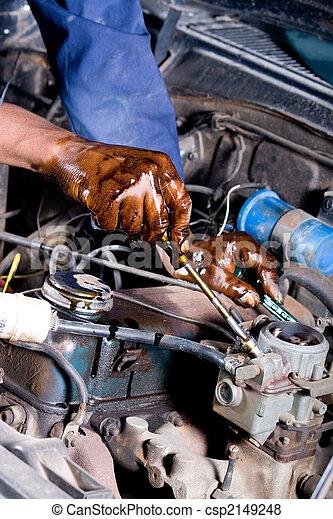 mechanic fixing car - csp2149248