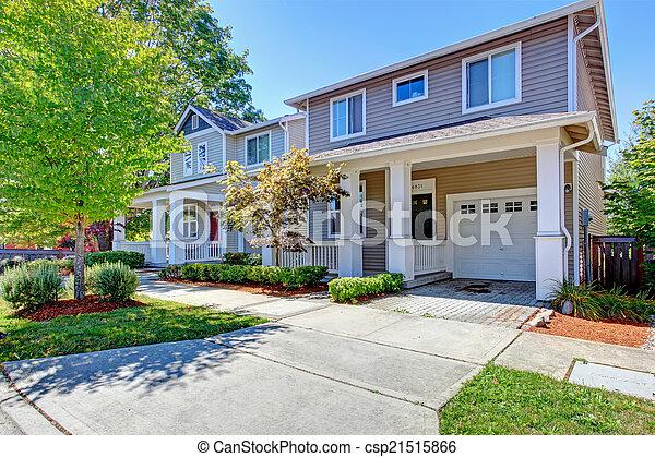 Image de maison classique ext rieur garage classique for Image maison classique
