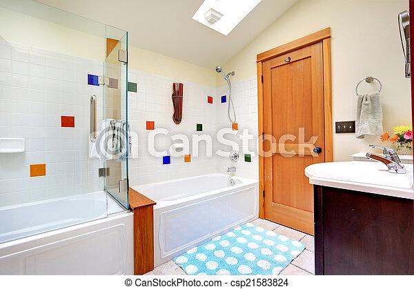 Stock Foto von hell, badezimmer, dachfenster - Bright, heiter ... | {Badezimmer mit dachfenster 72}