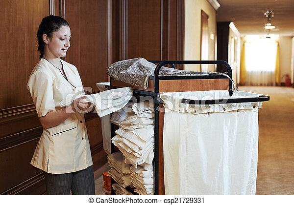 Stock foto 39 s van kamermeisje hotel hotel kamer dienst vrouwlijk csp21729331 zoek - Klein kamermeisje ...