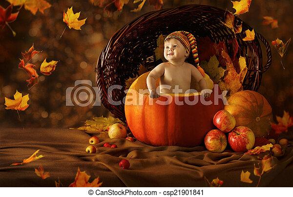 stock foto von wenig wo pumpkin herbst k nstlerisch. Black Bedroom Furniture Sets. Home Design Ideas