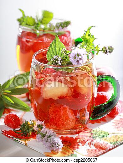Refreshing summer drink - csp2205067