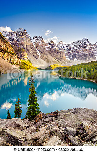 Landscape view of Moraine lake in Canadian Rocky Mountains - csp22068550