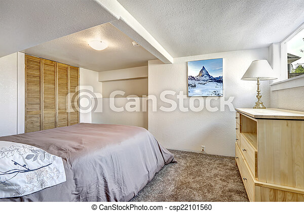 Image de confortable chambre coucher bas plafond for Chambre a coucher bas prix