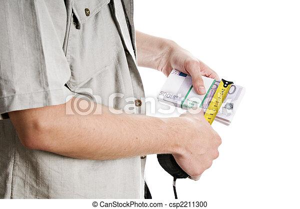 Estimating his salary - csp2211300