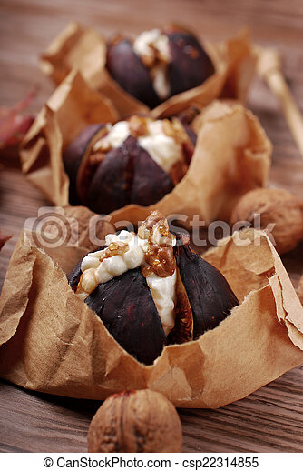 baked figs with cheese, walnuts and honey
