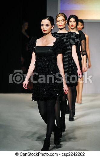 exposición, mujer, Moda, caminata - csp2242262