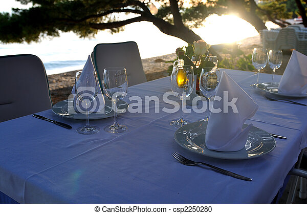 glasses restaurant outdoor