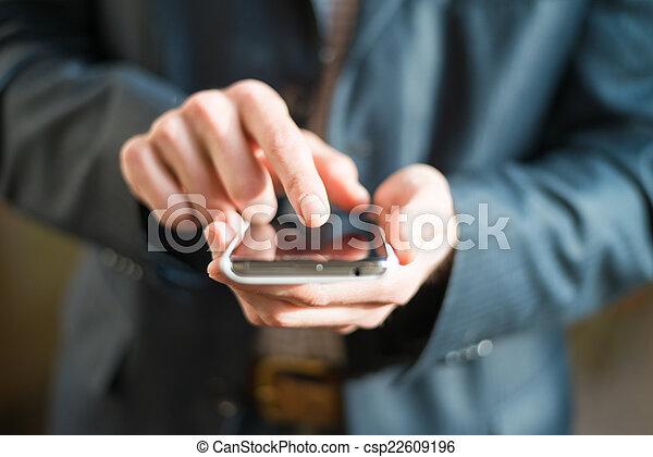 hand use smartphone