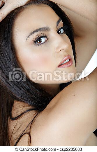 Italian woman with natural make-up. - csp2285083