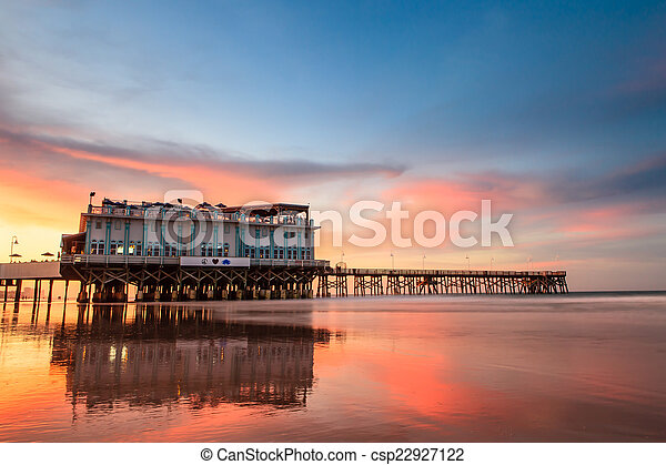 The sunset at Joe\'s Crab Shark Florida