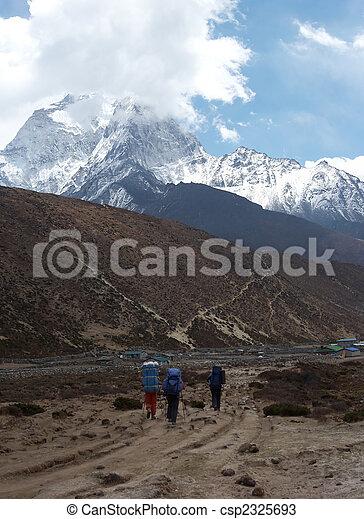 Trekkers at Everest trail, Himalaya, Nepal - csp2325693