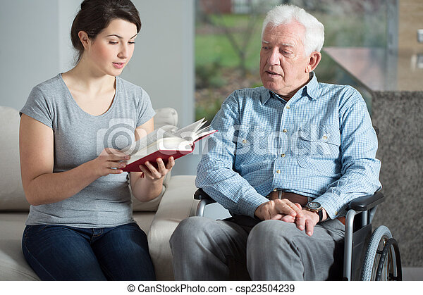 photos de aide personne agee lecture livre soin personne agee csp23504239 recherchez. Black Bedroom Furniture Sets. Home Design Ideas