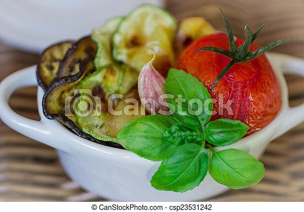 grönsaken, steket - csp23531242