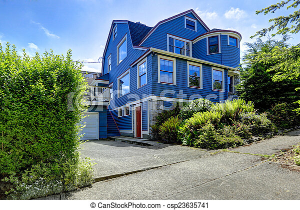 Stock de fotos de azul condici n color casa exterior - Casas de color azul ...
