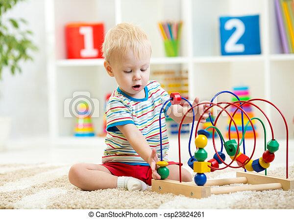 面白い, 教育, おもちゃ, 屋内, 子供, 遊び - csp23824261
