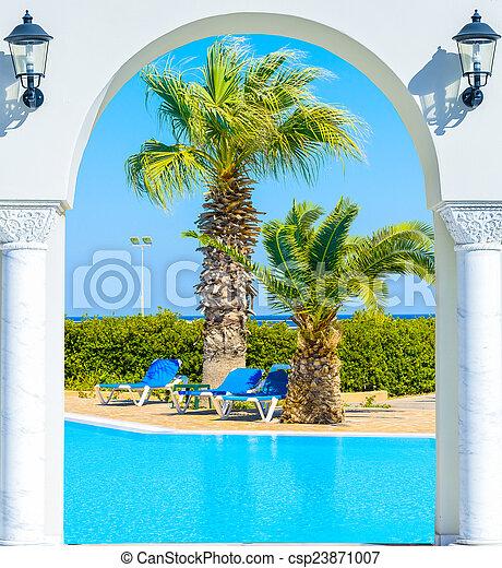 Stock de fotograf a de entrada arco palma vista arco - Hotel puerta del arco ...