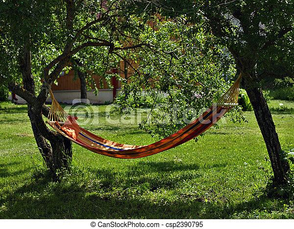 Stock beelden van hangmat tuin csp2390795 zoek naar for Hamacas para el jardin