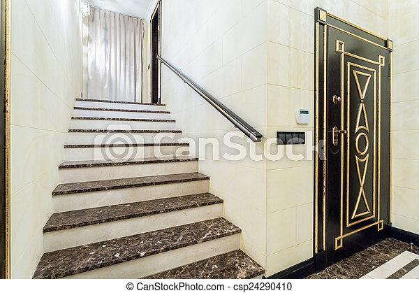 Stock fotografie van interieur binnen marmer trap for Binnen interieur