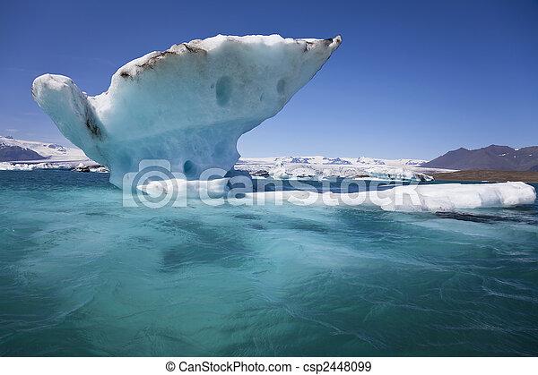 Melting Iceberg on the Lagoon, Jokulsarlon, Iceland - csp2448099