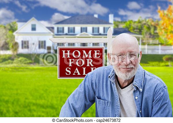 真正, 財產, 簽署, 房子, 成人, 前面, 年長者, 人 - csp24673872