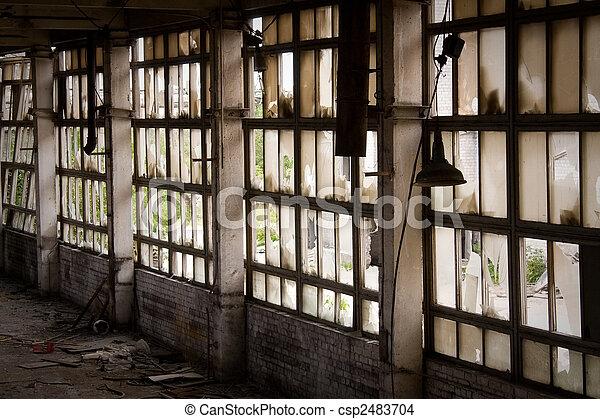 Photo de fen tre abandonn s usine fen tre de for Fenetre usine