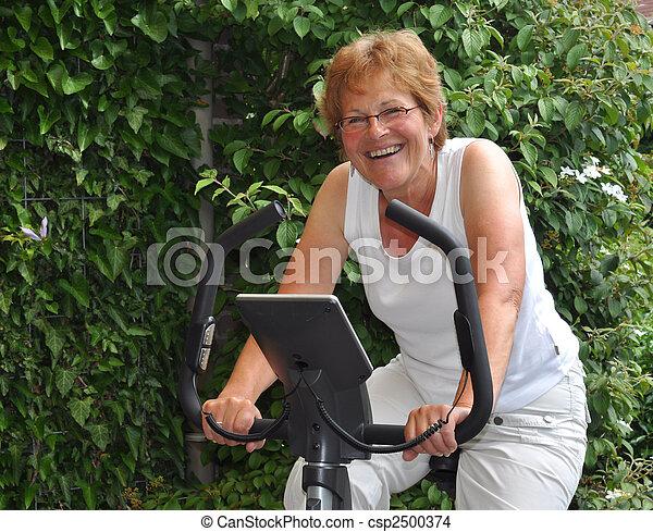 addestramento, donna, anziano - csp2500374