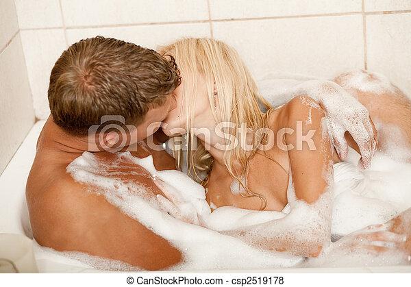 מסאז סקס מתנשקים צרפתית