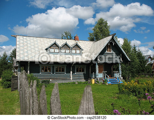 Russische stil hölzern blockhaus blaues himmelsgewölbe