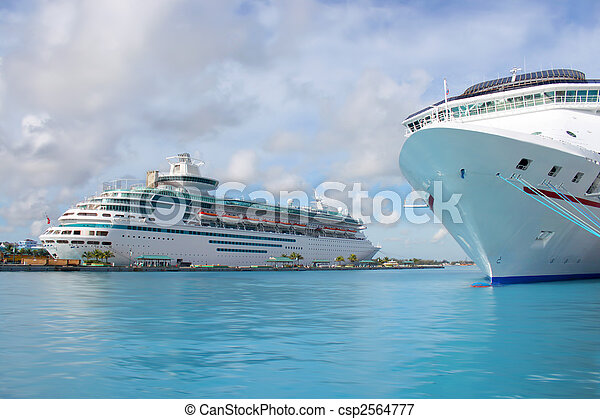 Cruise ships in Nassau port - csp2564777