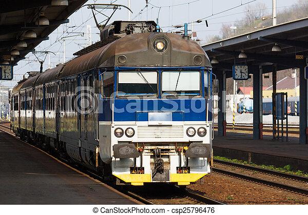train - csp25796476