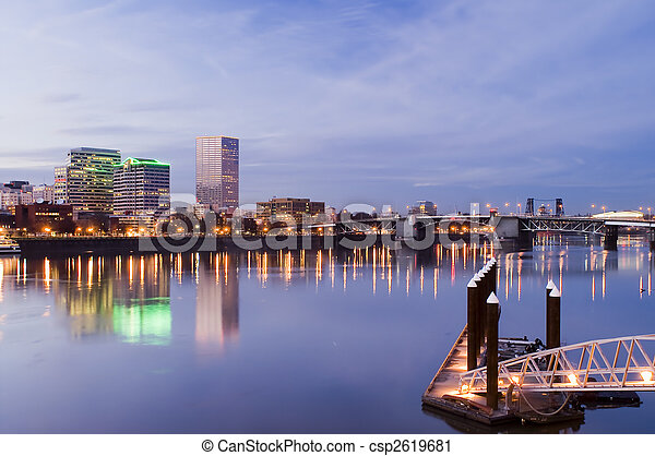 Portland, Oregon Cityscape - csp2619681