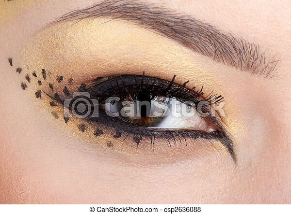 Images de chat girl gros plan yeux maquillage l opard style csp2636088 recherchez des - Maquillage yeux de chat ...