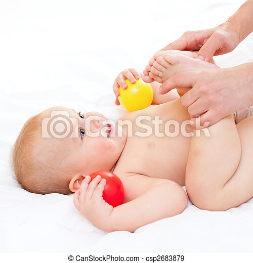 Baby massage - csp2683879